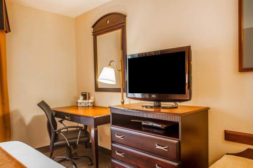 Comfort Inn & Suites Somerset Photo