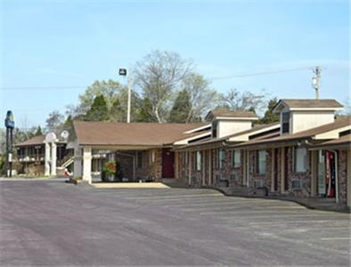 Sunset Inn Clarksville - Clarksville, AR 72830