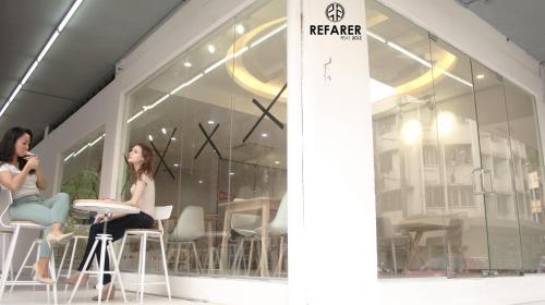 Refarer Photo