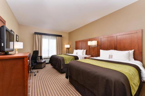 Comfort Inn & Suites North Woods Cross Photo