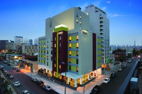 Home2 Suites Long Island City Manhattan View