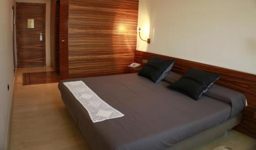 Superior Double Room Hotel Sant Roc 64