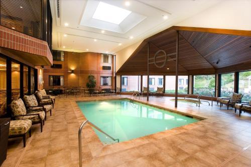 Ann Arbor Regent Hotel And Suites - Ann Arbor, MI 48108