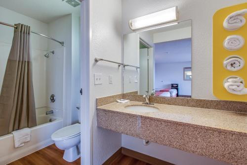 Motel 6 Fairfield North Photo