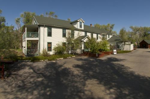 The Historic Elk Mountain Hotel - Elk Mountain, WY 82324