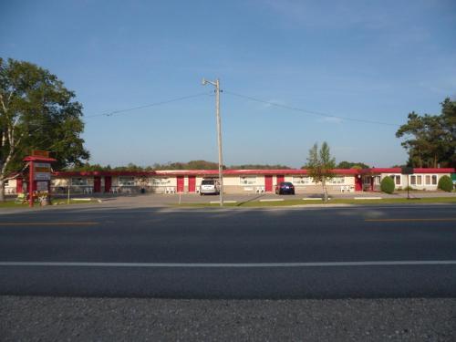 The Silver Birch Motel - Goderich, ON N7A 3X8