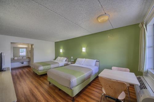 Motel 6 San Antonio Northwest - Medical Center Photo