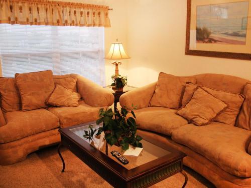 Three Bedroom Townhome1476278 - Kissimmee, FL 34746
