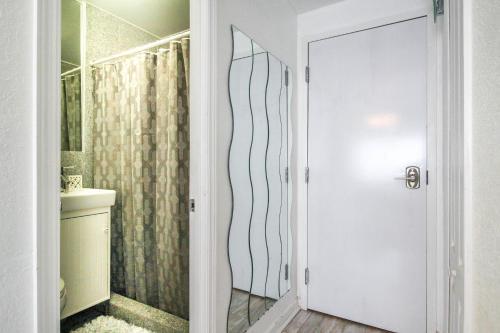 Scoast Miami Beach Apartment - Miami Beach, FL 33140