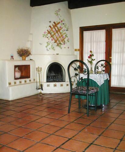 Hacienda Vargas Bed and Breakfast Photo