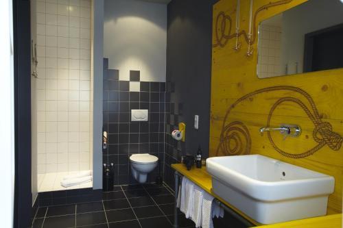 Superbude Hotel Hostel St.Pauli photo 25