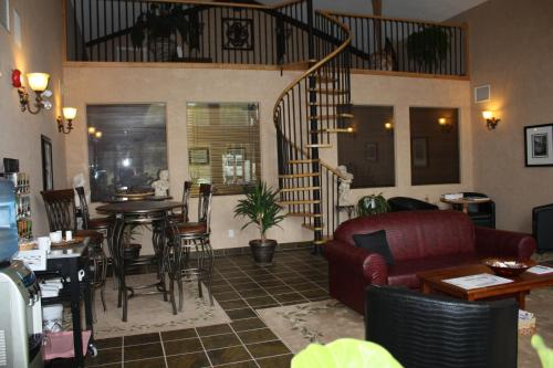 Cedar Meadows Resort & Spa Photo
