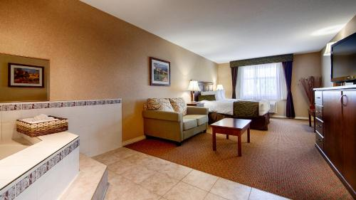 Best Western Plus Sunrise Inn - Osoyoos, BC V0H 1V0