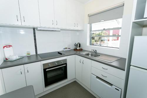 Dolphin Lodge Albany - Self Contained Apartments