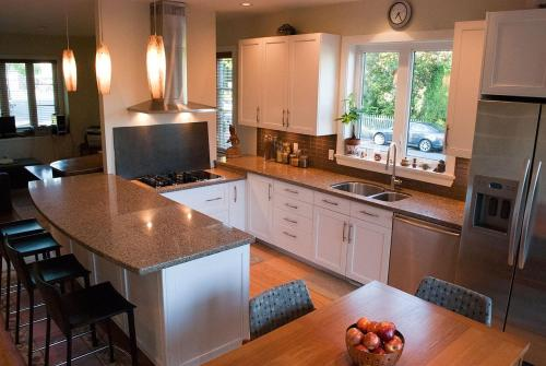 Suite Dreams Vancouver Bed And Breakfast - Vancouver, BC V6K 2K3