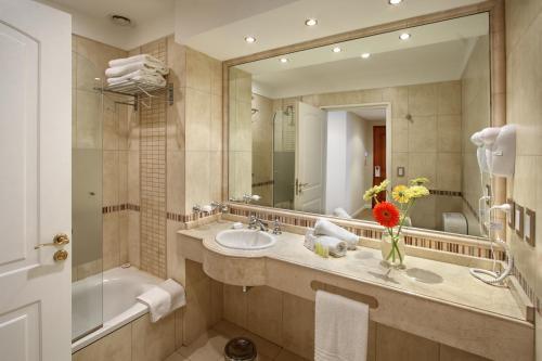 Hotel Intersur Recoleta photo 6