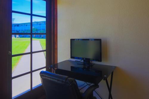 San Simeon Lodge Photo
