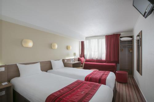 Kyriad Hotel Paris Bercy Village photo 12