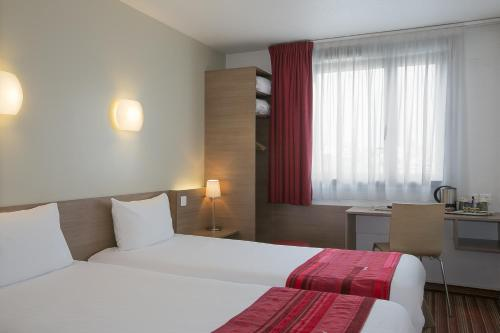 Kyriad Hotel Paris Bercy Village photo 18