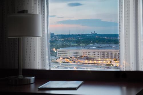 Residence Inn Arlington Pentagon City Photo