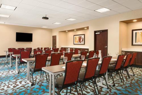Homewood Suites By Hilton Atlanta/perimeter Center - Atlanta, GA 30328