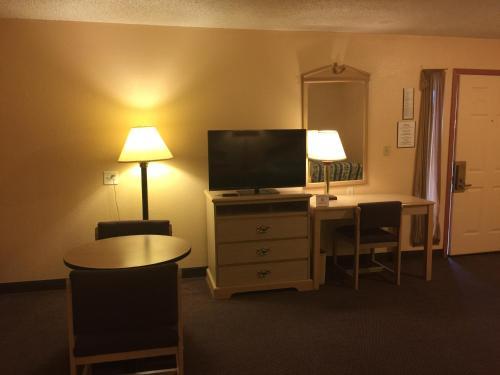 Seminole Inn Photo
