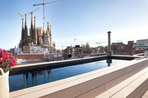 Enjoybcn Gaudi Apartments photo 2