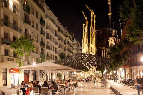 Enjoybcn Gaudi Apartments photo 13