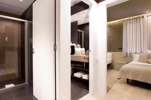 Enjoybcn Miro Apartments photo 11
