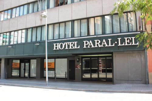 Paral·lel photo 16