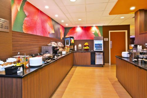 Fairfield Inn and Suites by Marriott Madison West / Middleton Photo