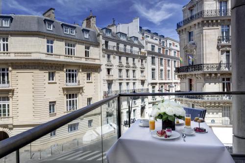 51 – 57, Rue de Courcelles, 75008 Paris, France.