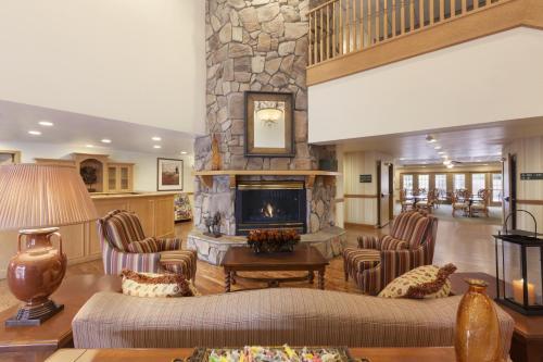 Country Inn & Suites by Radisson, Mesa, AZ Photo