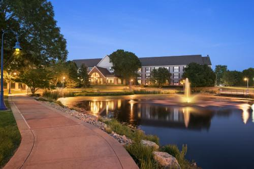 Country Inn & Suites by Radisson, Madison, WI Photo