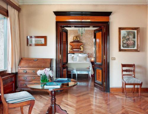 Suite Deluxe con acceso al spa  Hostal de la Gavina GL 8