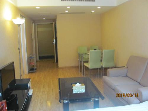 Beijing New World CBD Apartment photo 31