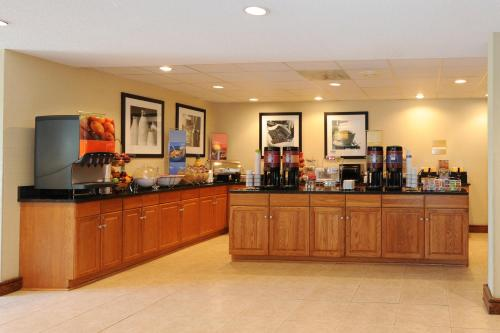 Hampton Inn Atlanta-southlake - Morrow, GA 30260