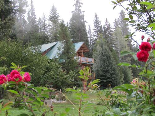 Eh Canadian Lodge