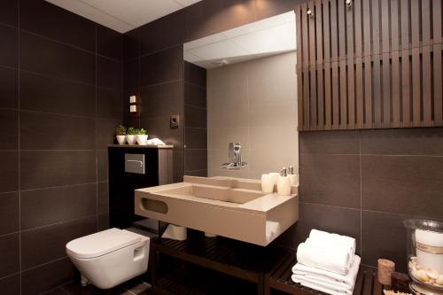 Enjoybcn Miro Apartments photo 37
