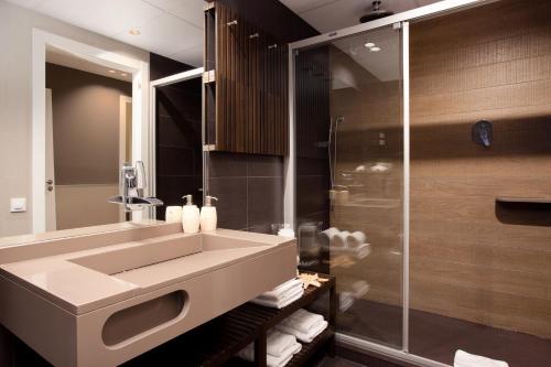 Enjoybcn Miro Apartments photo 38