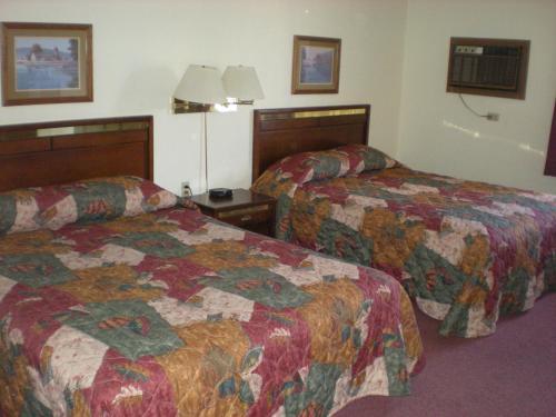 American Motel Waseca - Waseca, MN 56093