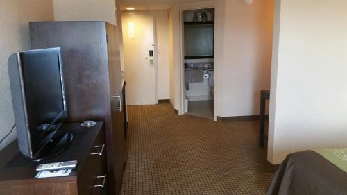Comfort Inn 290/NW photo 13