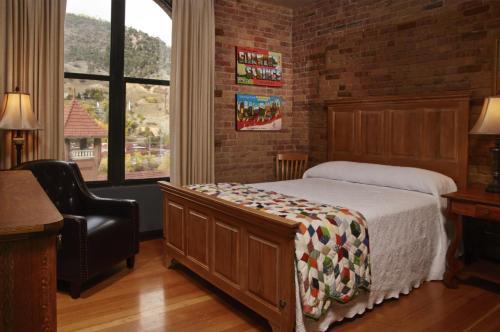 The Hotel Denver - Glenwood Springs, CO 81601