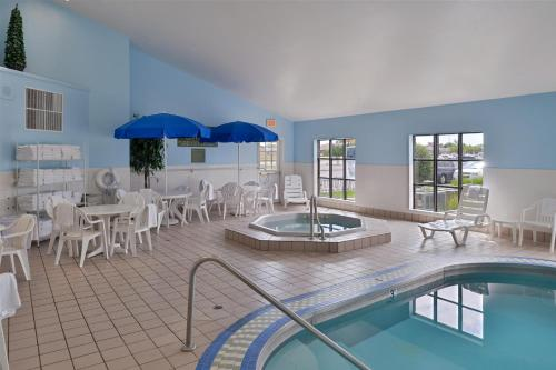 Country Inn & Suites by Radisson, Fargo, ND Photo