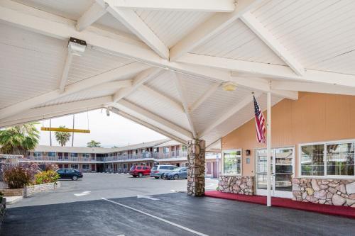San Jose Airport Inn Photo