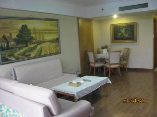 Beijing New World CBD Apartment photo 47