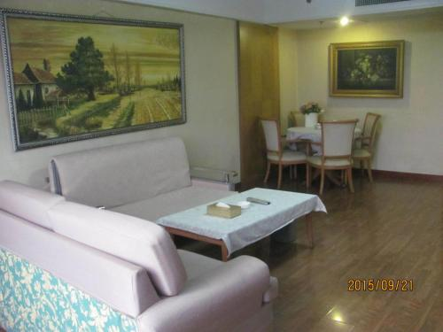 Beijing New World CBD Apartment photo 48