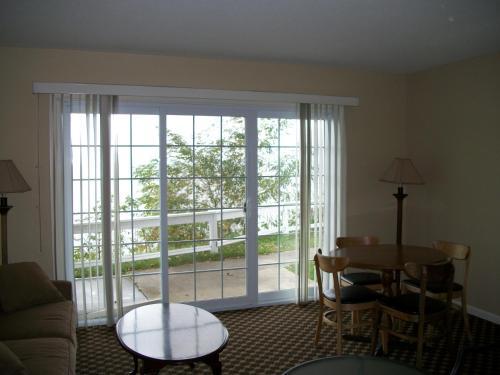 Michillinda Lodge Resort - Whitehall, MI 49461