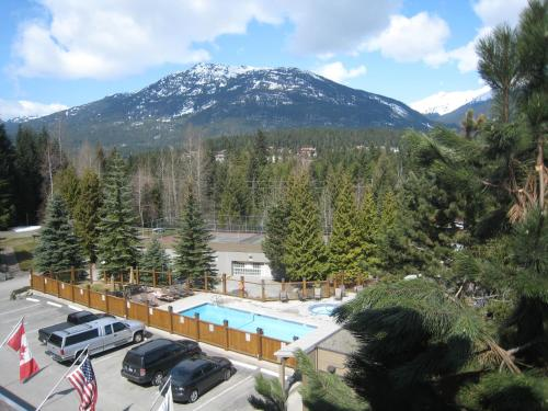 Tantalus Resort Lodge - Whistler, BC V0N 1B4