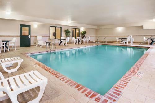 Country Inn & Suites by Radisson, Northwood, IA Photo